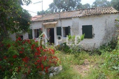 LAND WITH OLD STONE HOUSE for sale - VELIANTATIKA GAIOS PAXOS